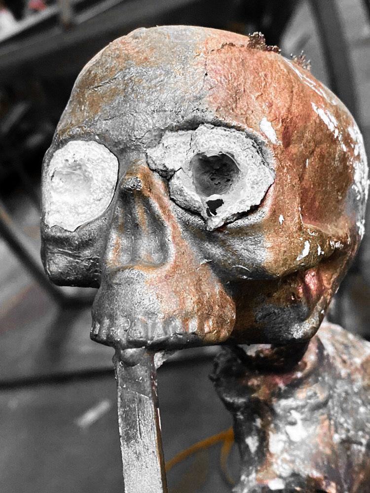 Bronze skulls eyes